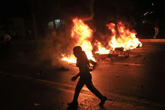 Turchia: scontri tra polizia e curdi a Diyarbakir