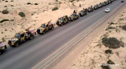 Il convoglio di centinaia di veicoli corazzati delle forze di Haftar sembra essere diretto dalla strada costiera di Bengasi verso ovest_Foto_Ufficio stampa delle forze di Haftar]