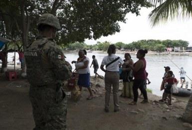 Elementi della Guardia Nazionale_ PF e INM sorvegliano la vicinanza del fiume Suchiate a Tapachula_Chiapas_ il 10 luglio 2019_Foto Alfredo Domínguez