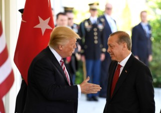 10est1f01-trump-erdogan-casa-bianca-xihnua-maggio-17