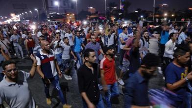I manifestanti si radunano nel centro del Cairo gridando slogan antigovernativi durante una manifestazione il 21 settembre 2019_EPA