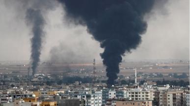 ll fumo sale su Ras al-Ain, visto dalla città di confine turca di Ceylanpinar _Murad Sezer _Reuters