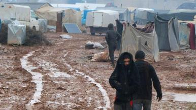 L'offensiva ha scatenato una delle peggiori crisi umanitarie nel conflitto di quasi nove anni della Siria, costringendo circa 700.000 persone a fuggire dalle loro case _Muaath Hussein _Al Jazeera]