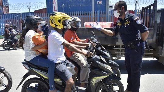 garantire la distanza sociale in mezzo allo scoppio del coronavirus a Dili _Valentino Dariell de Sousa _AFP