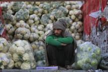 27est3f01-india-mercato-crisi-rupia-ap-997
