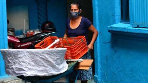 barrio San Jacinto_ Desde que comenzó la cuarentena sus ventas se han reducido y con ello los ingresos para su familia_ Foto EDH_Jessica Homanera