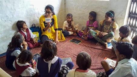 Gli educatori indiani affermano che un movimento digitale nel campo dell'istruzione minaccia di tagliare un numero considerevole di bambini_Neha Bhatt_ Al Jazeera
