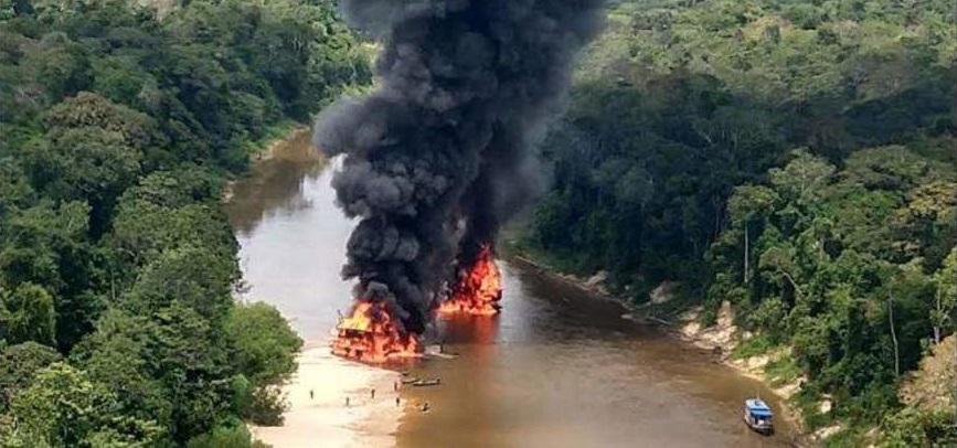 La task force distrugge 60 miniere d'oro illegali nello stato di Amazonas_ Foto_ Ibama
