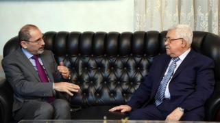 Il presidente palestinese Mahmoud Abbas_ a destra, incontra Ayman Safadi_ ministro degli affari esteri della Giordania _Presidenza palestinese _Consegna tramite Anadolu Agency _ Getty Images