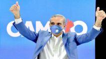 El candidato por el Partido Revolucionario Moderno_PRM_ encabeza la contienda electoral con más del 50 por ciento de votos_ EFE
