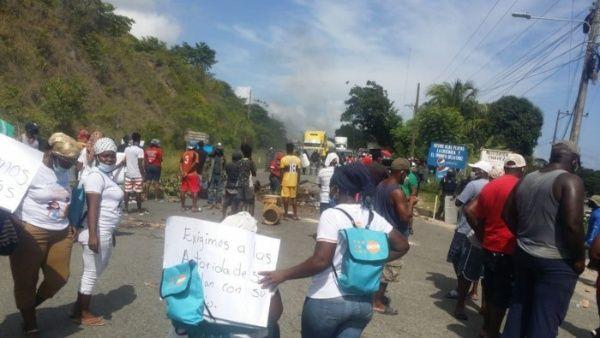 La comunità Garifuna di Triunfo de la Cruz si è mobilitata contro il rapimento di quattro leader etnici_ incluso il leader Sneider Centeno_ Twitter_nicaraguaymas